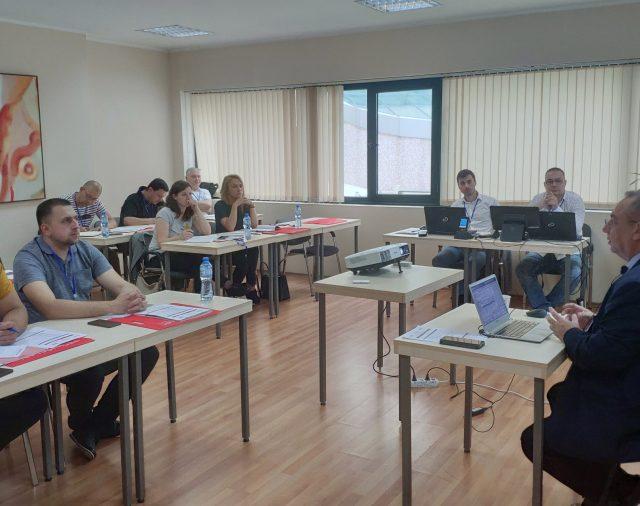 """Л-КЛАС проведе семинар """"Учебен цех за управление на производството"""""""